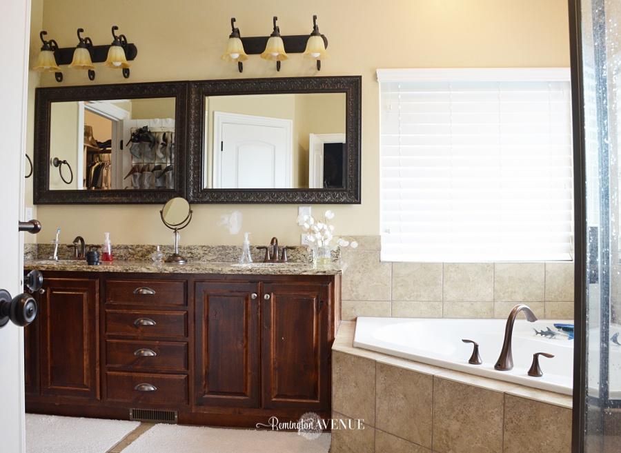 master-bathroom-before-9