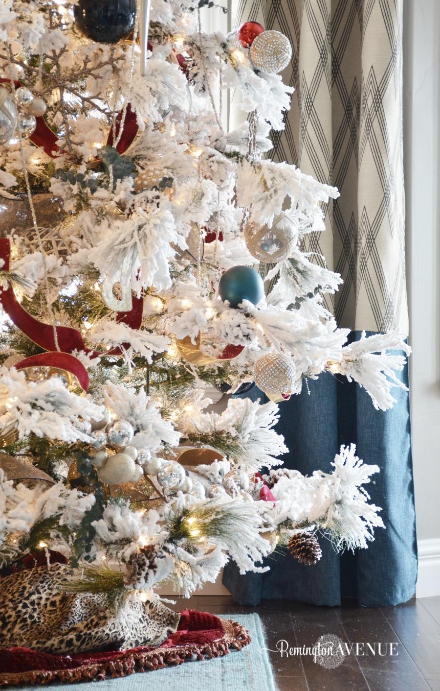 colorful-christmas-home-tour-64