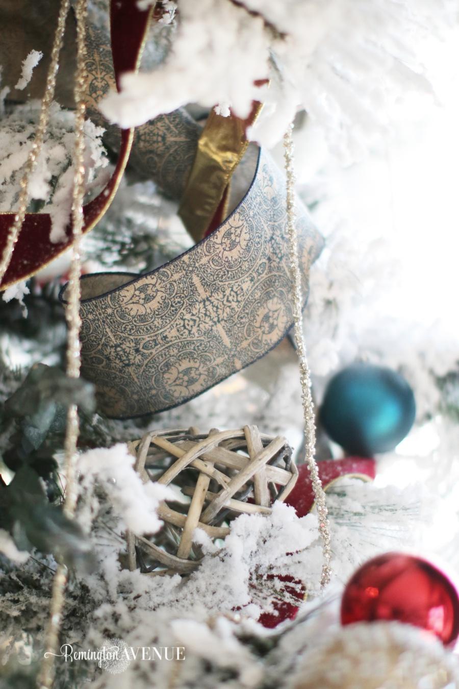 colorful-christmas-home-tour-95