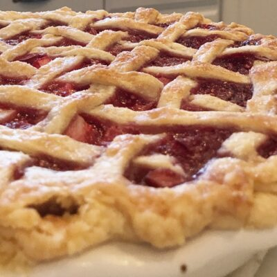 Grandma's Berry Rhubarb Pie Recipe