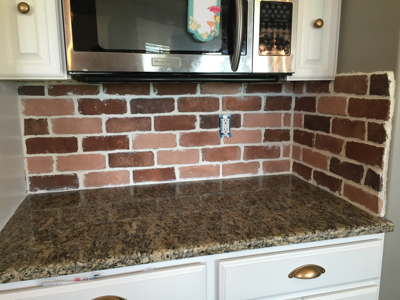 do it yourself backsplash for kitchen do it yourself brick veneer backsplash remington avenue 26634