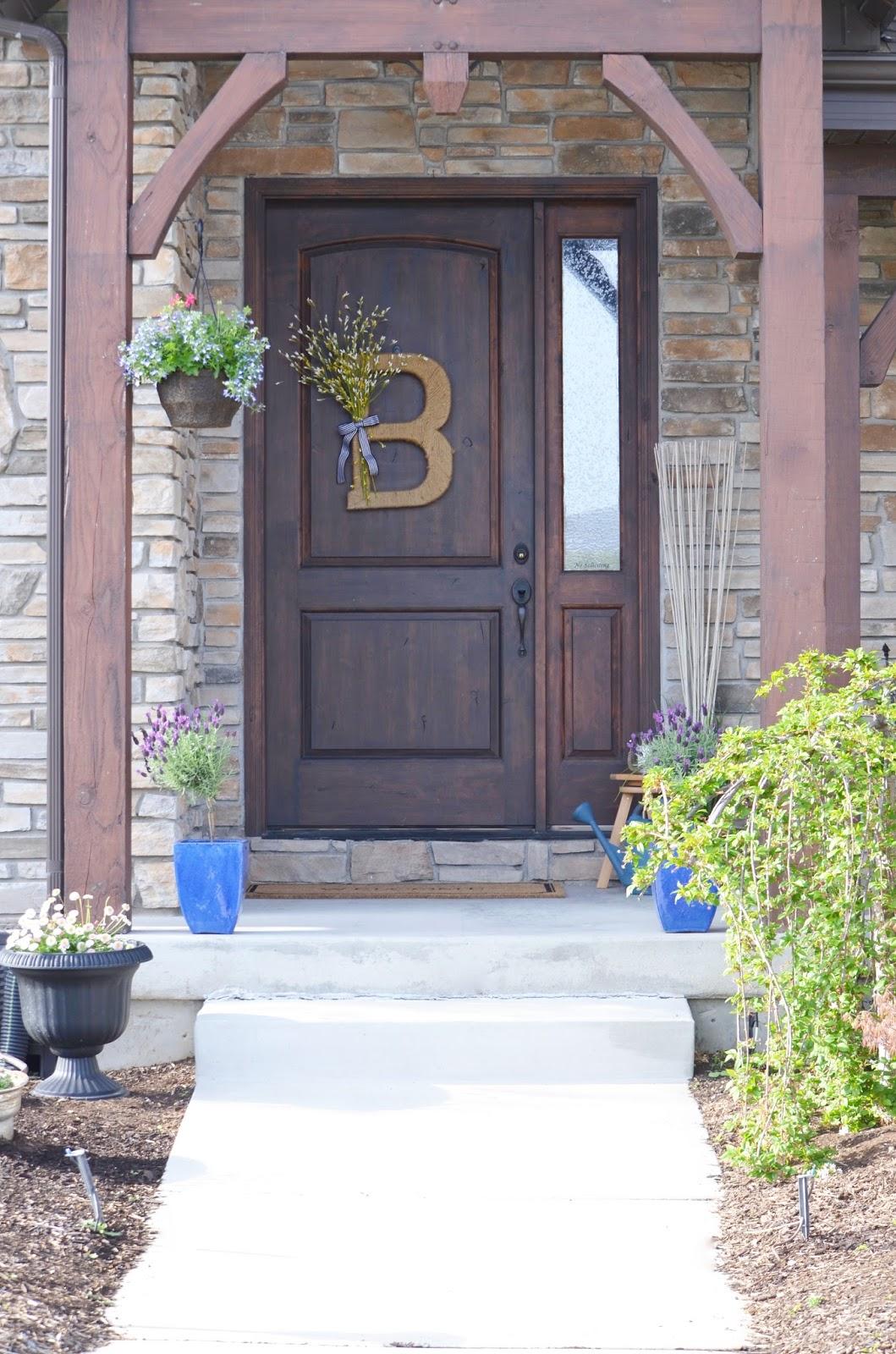 front doorupcycle, patio, patio furniture, outdoor decor