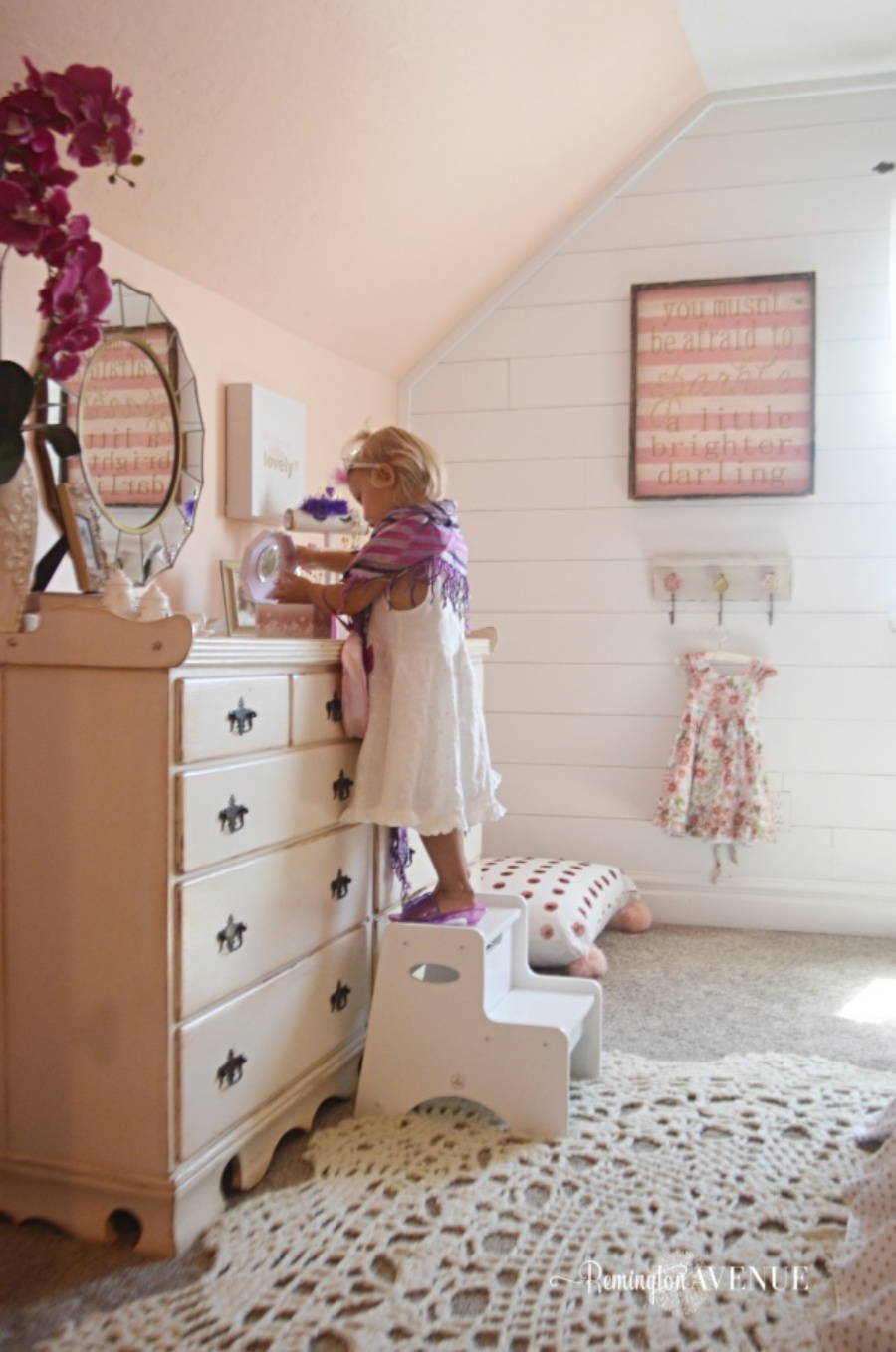 Remi's little girl room reveal (dress up)