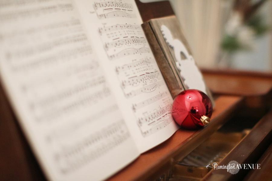 colorful-christmas-home-tour-133