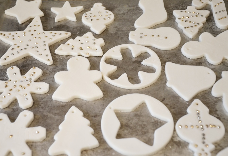 scented-baking-soda-dough-ornaments-12
