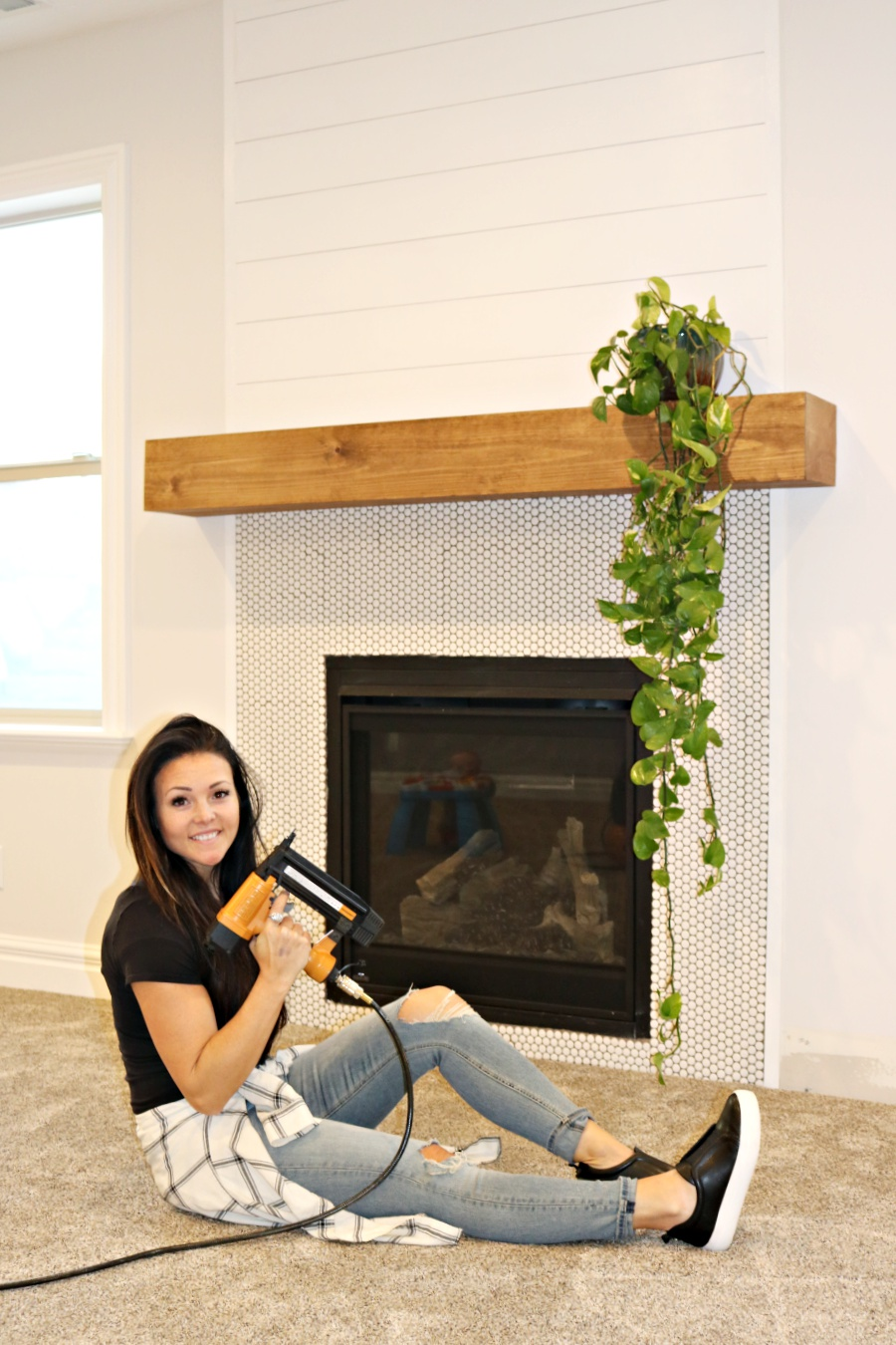 Easy diy wood mantel remington avenue easy diy wood mantel solutioingenieria Images