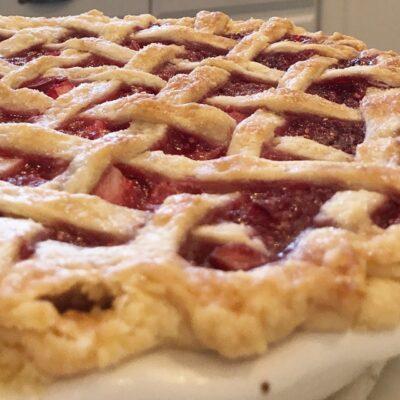 Grandma's Berry Rhubarb Pie Recipe