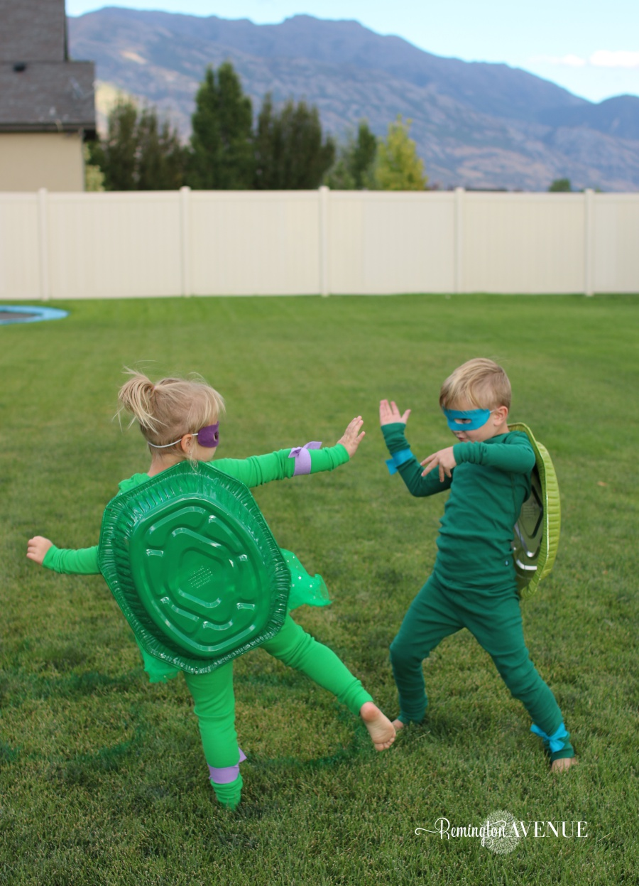 Thrifty DIY teenage mutant ninja turtle costume ideas. Perfect for parties or Halloween