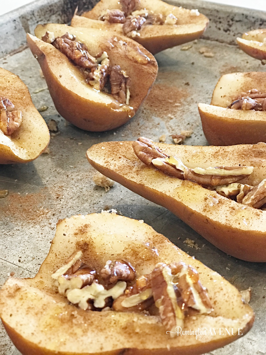 skinny baked pears with pecans and honey