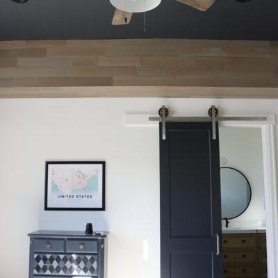 DIY Boy's bedroom-wood accents