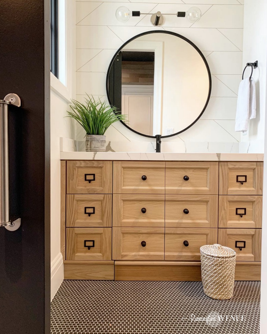 Black & White Oak Bathroom Reveal