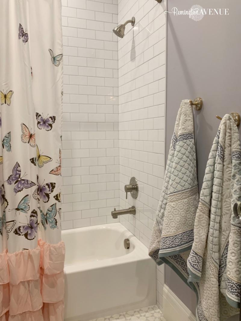 Girls bathroom design- Just be you