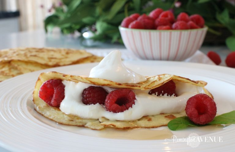 Low Carb cream cheese crepes
