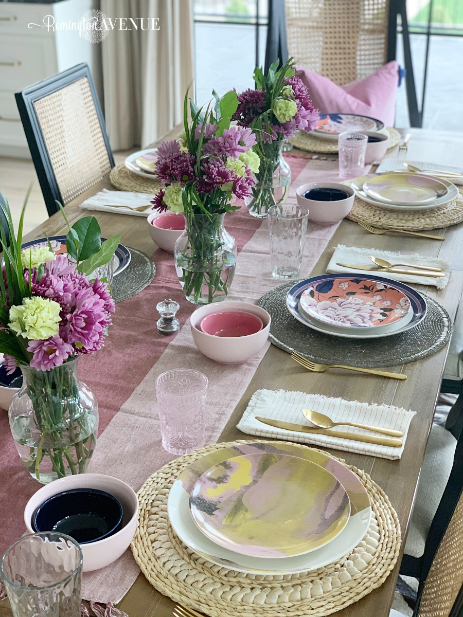 A colorful Spring/Summer Table Scape