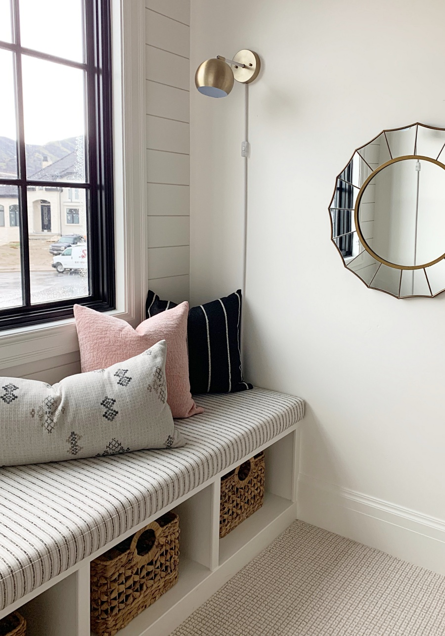 The perfect reading space- 4 ingredients to a cozy window seat