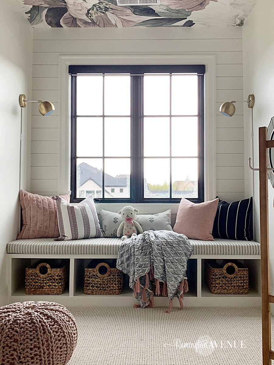 The perfect reading space: 4 ingredients to a cozy window seat