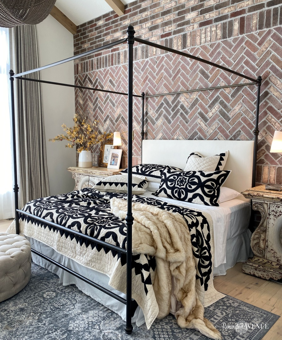 fall bedding with faux fur and black and white quilt