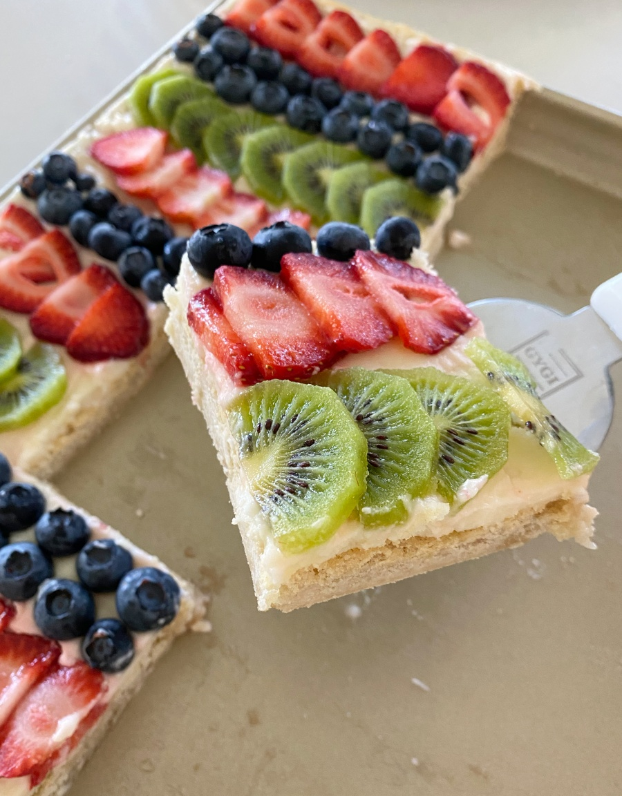 fruit pizza- sugar cookie and fresh fruit dessert