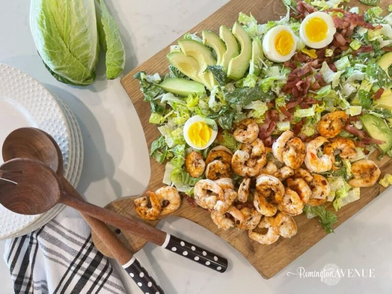 Keto Garlic Shrimp Caesar Salad